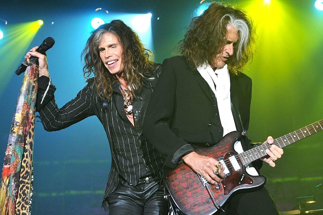 foto de Joe Perry of Aerosmith hand tunes Monster s Sound of Rock